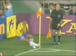 """Rivaldo """"Schwalbe"""" beim Spiel gegen die Türkei"""